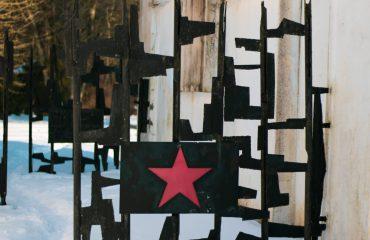 Pomnik na cmentarzu Jeńców Radzieckich w Suwałkach
